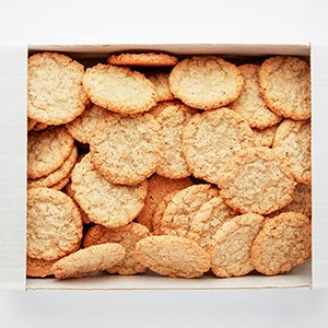 600 gram small biscuits. Delivered in a box